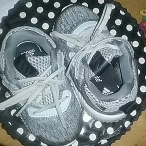 Adidas toddler comfy sneakers
